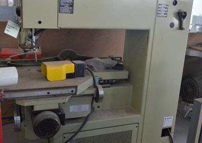 Fresadora SCM R9A