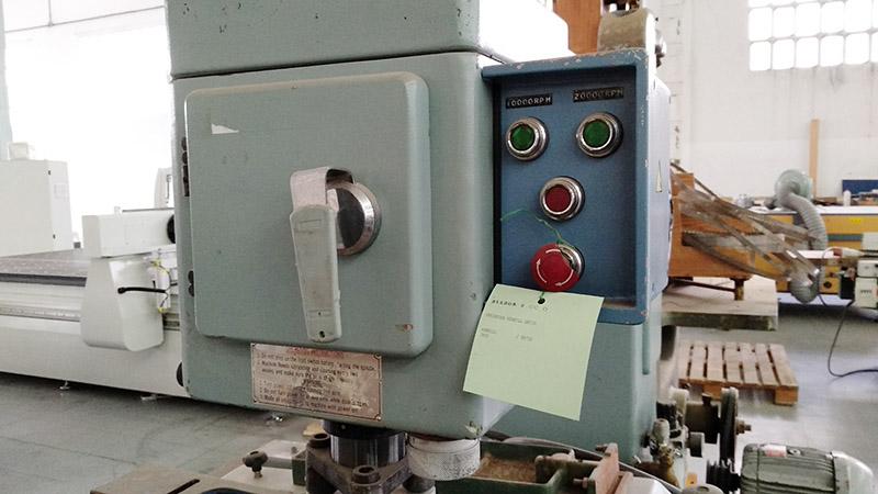 Fresadora Kenbill SR750